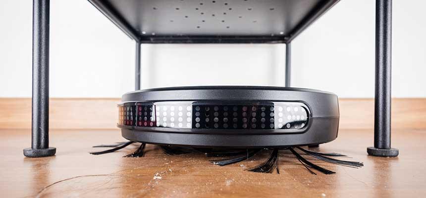 Robôs aspiradores são alternativa para economizar na limpeza de escritórios